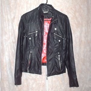 J2 black leather jacket with zipper pockets